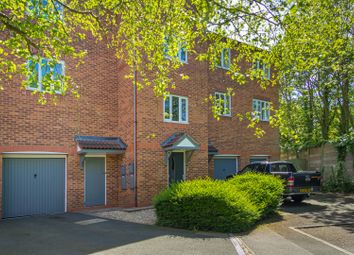2 bed flat to rent in Lydham Close, Redditch B98