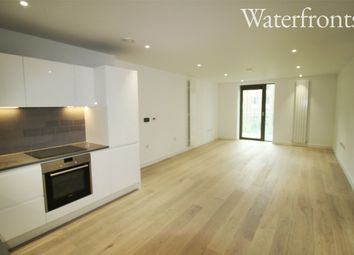 Thumbnail 1 bed flat to rent in Kelson House Royal Wharf