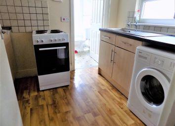 2 bed flat to rent in Railway Street, Splott, Cardiff CF24