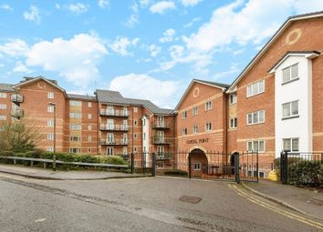 Thumbnail 2 bedroom flat for sale in Capital Point, Reading