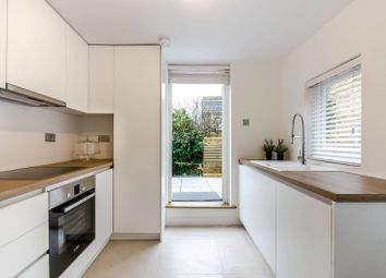 Thumbnail 3 bed maisonette to rent in Battersea Rise, Between The Commons
