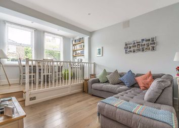 Thumbnail 2 bed flat to rent in Wellfield Road, London