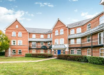 3 bed flat to rent in Turners Avenue, Fleet GU51