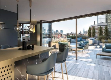 Thumbnail 2 bed flat for sale in Phoenix Place, Holborn, London