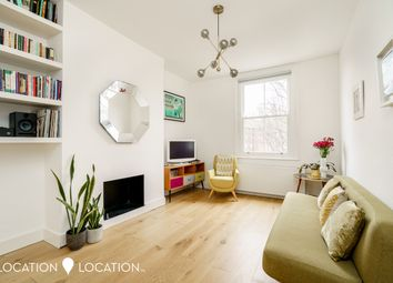 Thumbnail 2 bed flat to rent in Farleigh Road, London