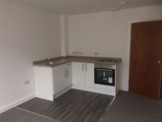 2 bed flat to rent in Chapel Street, Camborne TR14