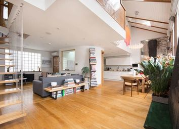 3 bed property for sale in Codrington Mews, London W11