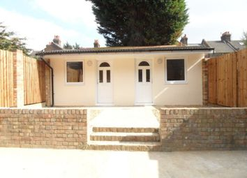 Thumbnail Bungalow to rent in Granville Road, Luton