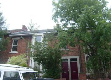 Thumbnail 3 bed flat to rent in Stratford Grove West, Sandyford, Newcastle Upon Tyne