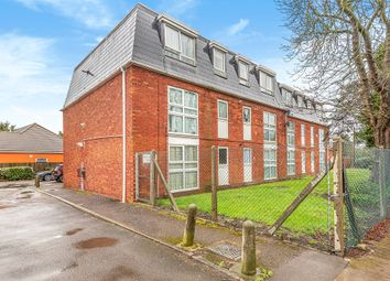 Hamilton Court, Botwell Common Road, Hayes, Middlesex UB3. 1 bed flat for sale