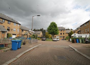 3 bed detached house to rent in Hull Close, Rotherhithe SE16