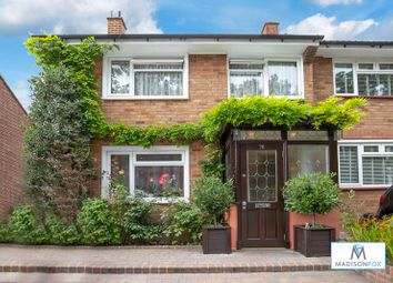 Roding Lane North, Woodford Green IG8. 3 bed property for sale