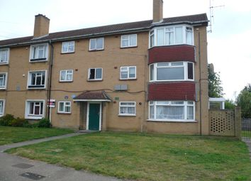 Thumbnail 2 bedroom flat to rent in Chadwell Avenue, Cheshunt