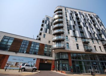 2 bed flat to rent in Chapel Street, Salford M3