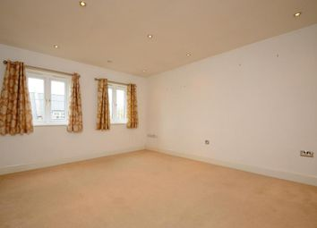 Thumbnail 1 bedroom flat to rent in Richmond, Surrey