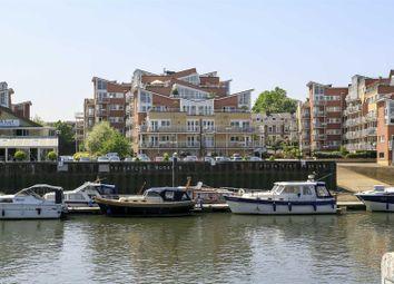 2 bed flat for sale in Twickenham Road, Teddington TW11