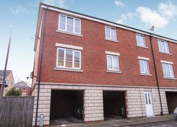 Thumbnail 2 bedroom flat to rent in Ladbrooke Road, Great Yarmouth