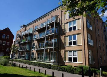 2 bed flat to rent in James Weld Close, Shirley, Southampton SO15