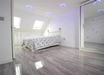 Thumbnail Room to rent in Craven Gardens, Barkingside, Ilford