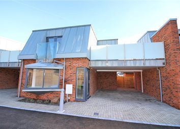 Thumbnail 2 bed link-detached house to rent in Buckingham Road, Borehamwood, Hertfordshire