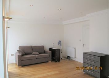 Thumbnail 3 bed flat to rent in Balls Pond Road, London