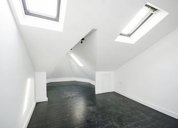 3 bed maisonette to rent in Mildenhall Road, Lower Clapton E5
