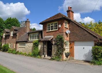 Thumbnail 2 bedroom detached house to rent in Old Park Lane, Farnham