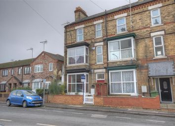 Thumbnail 6 bed terraced house for sale in Windsor Crescent, Bridlington