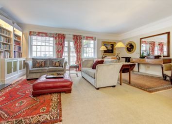 Eaton Mews South, Belgravia, London SW1W. 3 bed mews house