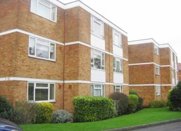 Holt Close, Elstree WD6. 2 bed flat to rent