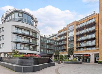2 bed property for sale in Kew Bridge Road, Brentford, Middlesex TW8