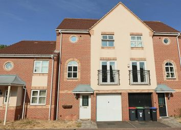 Thumbnail 3 bed town house to rent in Pagett Close, Hucknall, Nottingham