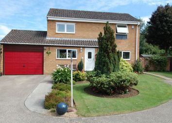 Thumbnail 4 bed detached house for sale in Mead Way, Kidlington