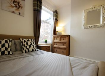 Thumbnail 5 bed terraced house to rent in Alliance Avenue, Hull