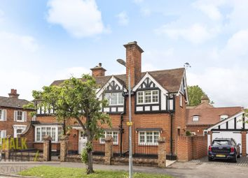 South Drive, Gidea Park RM2. 3 bed detached house