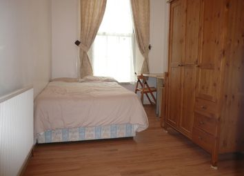 Thumbnail Room to rent in King's Cross Road, London