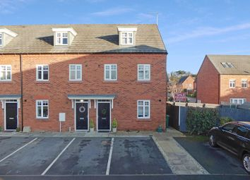 3 bed end terrace house for sale in Arrowhead Close, Stapeley, Nantwich CW5