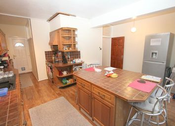 Thumbnail 2 bed flat to rent in Langley Park Road, Iver