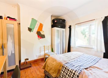 4 bed maisonette to rent in Woodstock Avenue, Golders Green NW11