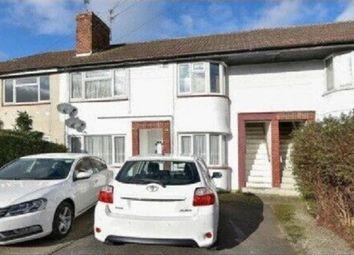 2 bed maisonette to rent in Wiltshire Avenue, Farnham Royal, Slough SL2