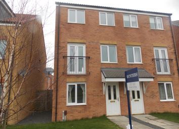 3 bed end terrace house to rent in Oval View, Middlesbrough TS4
