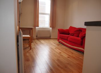 Thumbnail 1 bed flat to rent in Avenue Road, North Finchley
