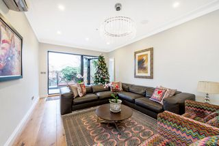 Thumbnail 4 bedroom detached house for sale in Brackenbury Rd, London