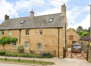 Thumbnail 3 bed cottage for sale in Church Street, Kingham, Chipping Norton