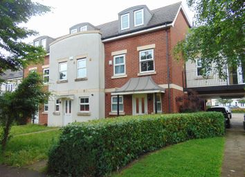 Thumbnail 3 bed town house to rent in London Road, Langley, Slough