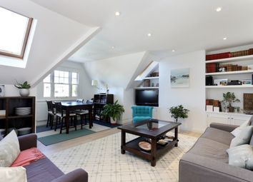 2 bed flat to rent in Grange Road, London W4