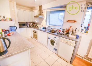 Thumbnail 3 bed flat to rent in Bartholomew Street, London