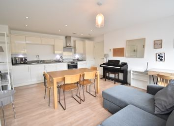Chamberlayne Road, London NW10. 2 bed flat