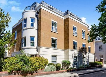 Thumbnail 2 bedroom flat for sale in Osborne House Grosvenor Square, Southampton