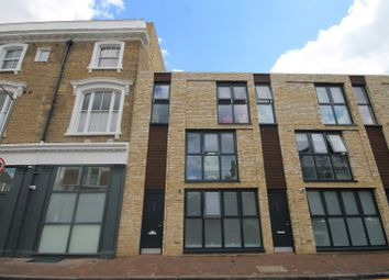 Thumbnail 3 bed town house for sale in Oxford Road, Putney